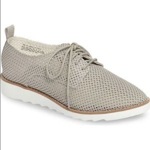 BP Eden Perforated Oxford